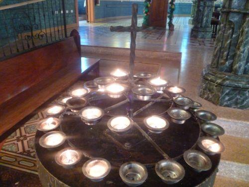 kirsti, žvakės, malda, maldos, Velykos, Jėzus, atmintis, paminklas, melstis, bažnyčia, maldos žvakės ir kryžius