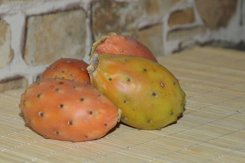 dygliuotas kriaušes,vaisiai,vaisiai,kaktusiniai vaisiai,frisch,skanus