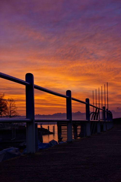 Promenada,turėklai,ežero promenada,saulėtekis,Morgenrot,miestas
