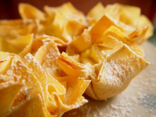 tešlos gaminiai,kepti,saldumas,cukrus,mėgautis,strudelas,desertas,saldus,kištukai,saldus patiekalas,saldus maistas,skanus
