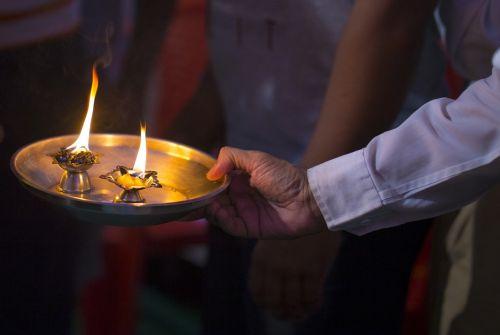 puja,pooja,aarti,hindu,festivalis