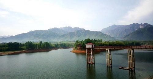 Qinling, turkis vandens ežero, xu Wądół, ant forto sub, Qinling kalnų, Qinling saugykla, Shaanxi dekoracijos, natūralus kraštovaizdis, kraštovaizdis, xu Wądół saugykla, Lake širdyje sala