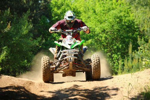 quad,ATV,motokroso,motociklas,visureigė transporto priemonė,kirsti,poilsio transporto priemonė,lenktynės,smėlis,motorsportas,motokroso važiavimas,enduro,motociklų sportas,lenktynės,reljefas,sportinė transporto priemonė,motorinė transporto priemonė