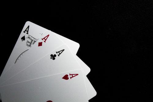 kortelės, širdis, ace, azartiniai lošimai, pokeris, linksma, lošti, balta, raudona, juoda, karaliai, kardai, klubai, deimantai, keturios kortelių akys