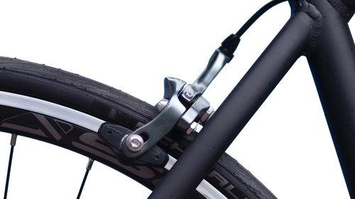 lenktynės dviratis, stabdžiai, galinio, įrenginiai, dviračiu Sportas, dviračio, Dviračių, baltos spalvos, dviračių takas, dviratininkas, profesionalus kelių dviračių lenktynininkas, lenktynių dviračiu, stipinai, rėmas, ratas, transporto priemonės, kabelis, pavarų