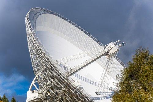 radijo teleskopas, Eifel, effelsberg, erdvė, teleskopas, tyrimai, astronomija, Mokslas, gautas, didelis teleskopas, klausytis, technologijos, parabolinės veidrodėliai, anteną, architektūra, baltos spalvos, dangus, Radio bangos