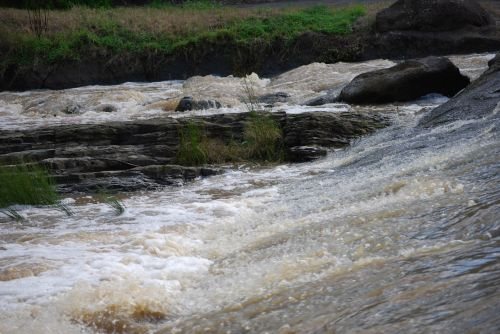 srautas, potvynis, užtvindytas, siaubingas vanduo