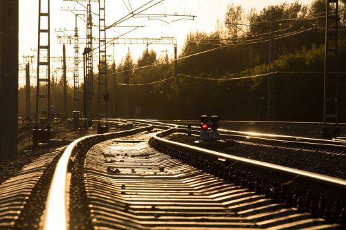 geležinkelis,būdai,būdas,bėgiai,pabėgiai,kelias,traukinys,judėjimas,mazgas,linija,kompozicija,labai graži