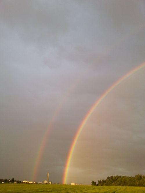 vaivorykštė,spalva,dviguba vaivorykštė,natuschauspiel,antrinė vaivorykštė,vaivorykštės spalvos,gamtos reiškinys,įspūdingas,spektras,saulės šviesa,refrakcija,dvigubas,spalvinga,oras,klimatas,saulėlydis,sulenktas,tamsi,griauna,mėlynas,žalias,geltona,raudona,lietus,orų reiškinys,atmosfera,meteorologija