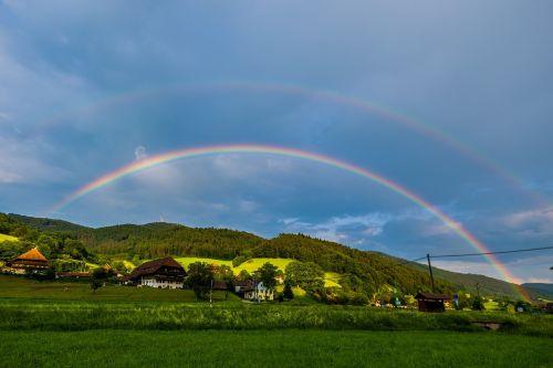 vaivorykštė,saulė,lietus,gamta,dangus,kraštovaizdis,natūralus spektaklis,vaivorykštės spalvos,refrakcija,nuotaika,spalva,gamtos reiškinys,spalvinga,spektras,farbenspiel,orų reiškinys,arka