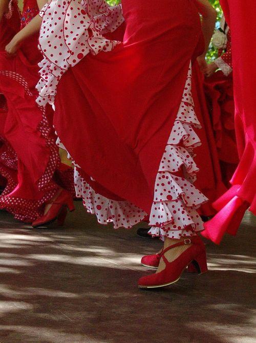 raudona,sijonai,ispanų,avalynė,šokis,flamenko,meninis šokis,šokėja