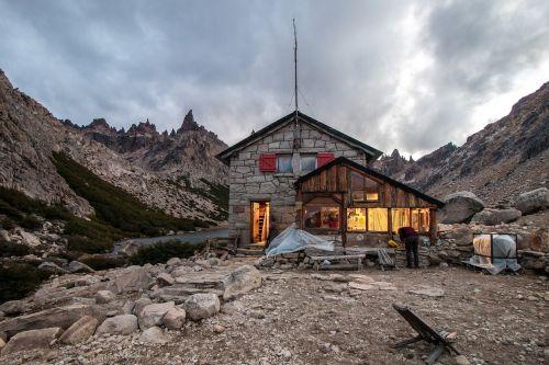 refugio frey,cerro katedra,argentina,kalnas,gamta,andes,pasivaikščiojimas,alpinizmas,šventė,natūralus,ekspedicija,patagonia,Andes,pietų argentina,akmenys,į pietus