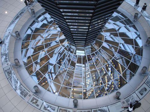Reichstagas,Berlynas,kupolas,stiklas,pastatas,stiklo kupolas,langas,architektūra