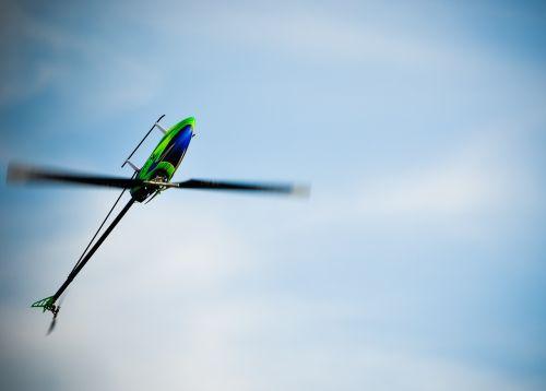 nuotoliniu būdu valdoma,sraigtasparnis,triukas,oras,modelis,modelio sraigtasparnis,nuotoliniu būdu valdomas sraigtasparnis,žaislai,rc modelis,Rc sraigtasparnis,rotoriai,skristi,skraidanti mašina,orlaivis