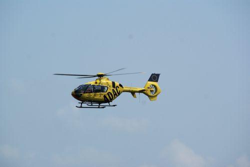 gelbėjimo sraigtasparnis,pagalba,avarija,sraigtasparnis,greitosios pagalbos sraigtasparnis,skristi,gydytojas paskambina,oro gelbėjimas,geltonas angelas,pirmoji pagalba,propeleris