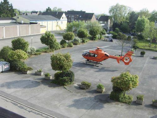gelbėjimo sraigtasparnis,sraigtasparnis,gydytojas paskambina,gelbėjimas,naudoti,greitosios pagalbos sraigtasparnis,nusileidimas
