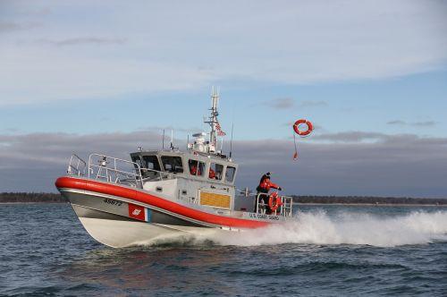 reakcijos valtis,greitis,įgula,vanduo,greitai,gelbėjimas,manevras,eik greitai,Skubus atvėjis,pakrantės apsauga,pagalba,mokymas,misija