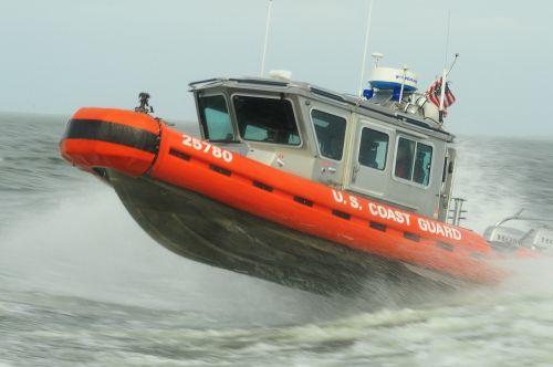 reakcijos valtis,greitis,įgula,vanduo,greitai,gelbėjimas,manevras,jūrų,eik greitai,Skubus atvėjis,pakrantės apsauga,pagalba,mokymas,misija