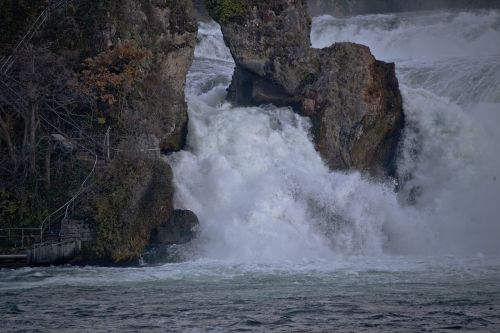 Reino kritimas,neuhausen am rheinfall,schaffhausen,Šveicarija,vanduo,Rokas,vandens masė