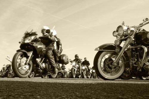 raitelis,baikeris,motociklas,motociklas,transportas,kelias,gabenimas,transporto priemonė,laisvė,asfaltas,lauke,vintage,gyvenimo būdas