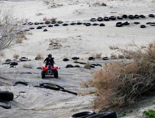 ATV, motociklas, purvo & nbsp, dviračiu, smėlis, dykuma, padangos, Sportas, važiuoti, Jodinėjimas, palmių & nbsp, spyruoklės, Kalifornija, linksma, važiuoti ATV dykumoje
