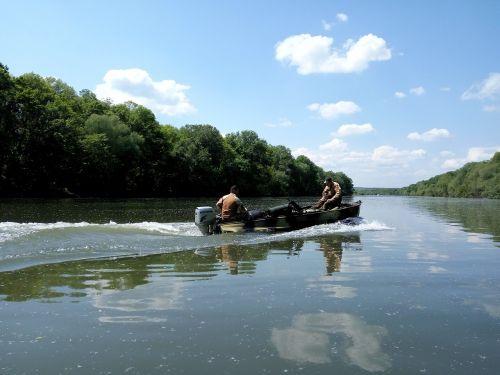 upė,mažoji upė,žvejyba,rami upė,gamta,atspindys vandenyje,kraštovaizdis,dangus,lazdelė,vasara