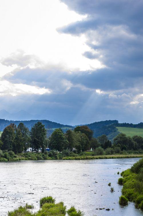 upė,kalnai,spinduliai,debesys,kalnų upė,dunajec upė,kraštovaizdis,vanduo,Debesuota,gamta
