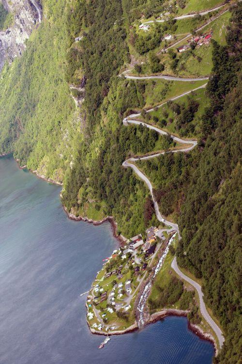 Kelias, Serpentinas, Į Kalną, Nuokalnė, Kraštovaizdis, Kalnai, Gamta, Toli, Žygiai, Slėnis, Žalias, Vanduo, Fjordas, Vaizdas, Perspektyva, Perspektyva, Medžiai, Požiūris