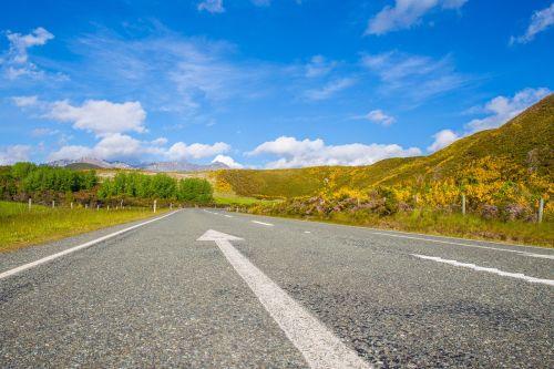 kelias,gatvė,kelionė,nuotykis,žolė,augalas,kalnas,kelionė,paukštis,kelionė,vacationclouds,dangus
