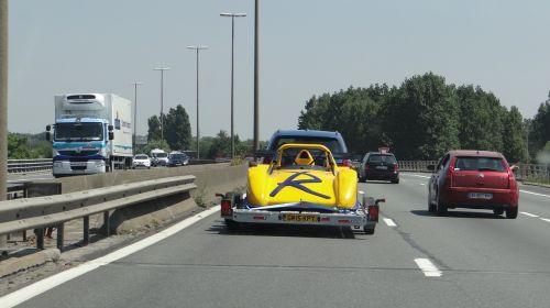 kelias,greitkelis,transportas,judėjimas,automobiliai,trasa,asfaltas,priekaba,lenktynės,lenktynės