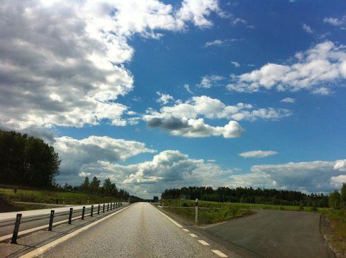 kelias,debesys dangus vasara,gražiai,mėlynas,dangaus mėlynumo,peizažai,gamta,dangus,debesis,vasara