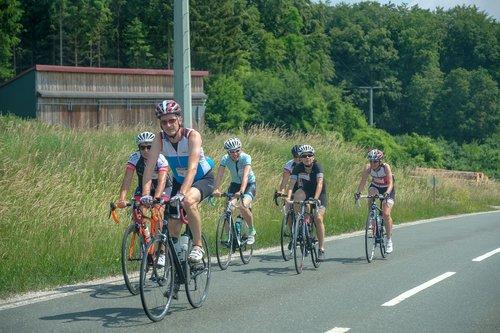 kelių dviratis, dviratininkai, RTF, JURA, maratonas, dangus, kelių, meadow, lenktynės, Sportas, dviračiu Sportas, sportiškas, lenktynių dviratininkai, lenktynių, kraštovaizdis, kelių dviračiai, ciklas, Sportas dviratis, laisvalaikis, grandinės, dviračių turas, dviratis, pasivažinėjimas dviračiu