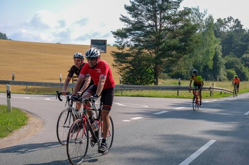 kelių dviračiu, kelių dviratis, RTF, kraštovaizdis, Sportas, sportiškas, dviratininkai, lenktynių dviratininkai, lenktynių, dviračiu Sportas, maratonas, JURA maratonas, varzybos, dviračiai, dviratis, baikeris, lenktynės, ciklas, starteris, profesionalus kelių dviračių lenktynininkas, ratas