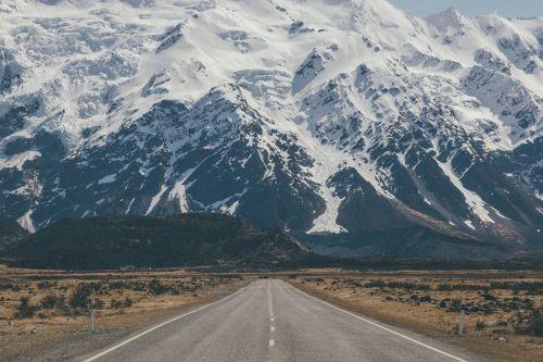 kelio,kalnų kraštovaizdis,kraštovaizdis,kelias,kalnas,kelionė,greitkelis,kalnų kelias,Šalis,uolėti kalnai,saulės šviesa,grazus krastovaizdis