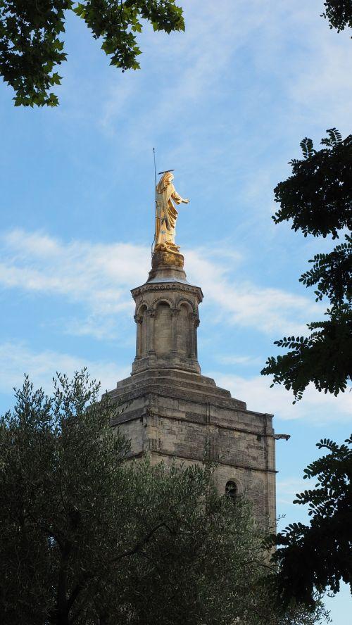 katedros rokeris,sodas,parkas,statula,jaunosios mari statula,Mergelė Marija,auksinis,auksinė statula