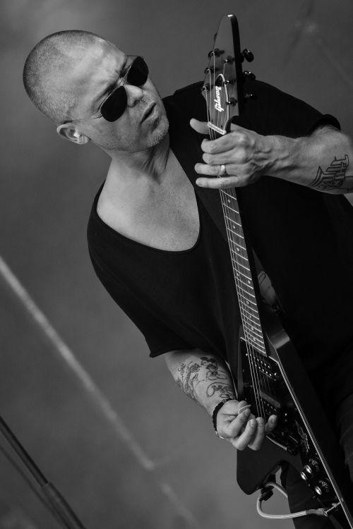 gitara,menininkas,Rokas,muzika,koncertas,gyvi pasirodymai,muzikantai,Švedijos,Alternatyvus rokas