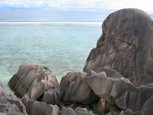 Rokas,uolos,erozija,išplauta,seišeliai,jūra