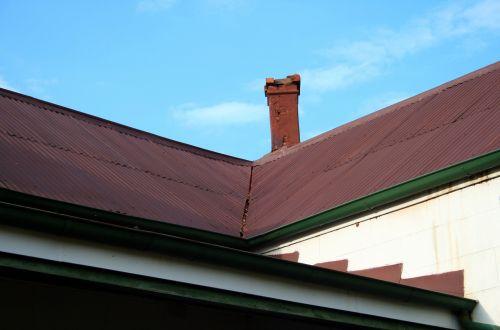 stogas, geležis, gofruotas, raudona, kampas, prisijungti, slėnis, stogo slėnis ir dūmtraukis
