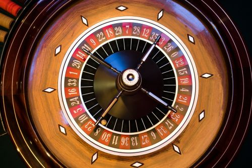 ruletė,ruletės ratas,pasukti,judėjimas,neryškus,rotacija,žaisti,azartiniai lošimai,žaidimų bankas