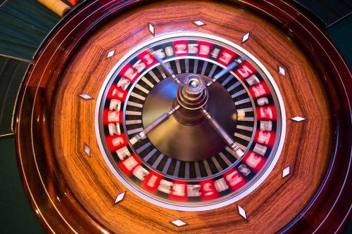 ruletė,ruletės ratas,rutulys,pasukti,judėjimas,neryškus,rotacija,žaisti,azartiniai lošimai,žaidimų bankas
