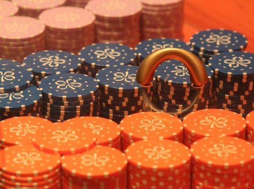 ruletė,lustai,kazino,azartiniai lošimai,žaidimų kazino,spalva,spalvinga,oranžinė,makro,Uždaryti,žaisti,win verlierem,pelnas,praradimas,pinigai,arcade,pramogos,pramogos,Įtampa