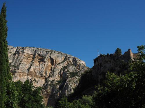 Philippe de Cabassolle griuvėsiai,pilis,burgūrijos,sugadinti,fontaine-de-vaucluse,france,Provence,Philippe de Cabassolle pilis,Rokas,Gorge,karsto zona,karstas