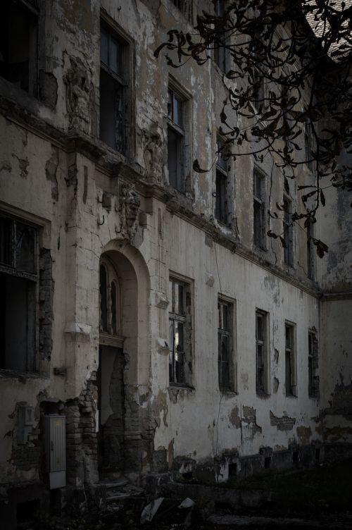 griuvėsiai,siaubas,tamsi,baimė,pastatas,baugus,Halloween,apokalipsė,nelaimė,creepy,kariuomenė,karas,persekiotojas,kamufliažas