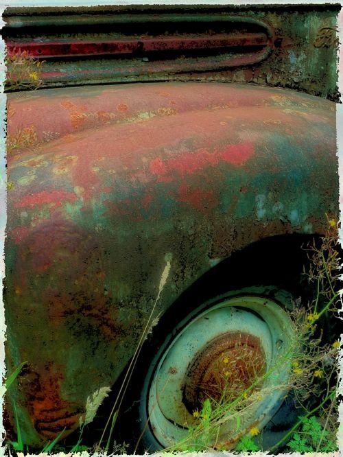 rusvas,senas,sunkvežimis,padanga,purškimo lenta,automobilio sparnas,sparnas,gabenimas,transporto priemonė