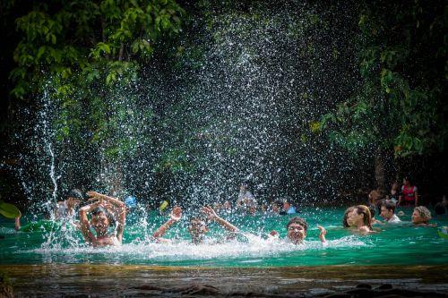 saber,smaragdas,vanduo,maudytis,atsipalaiduoti atostogos,pietūs,į pietus nuo Tailando,upė,baseinas