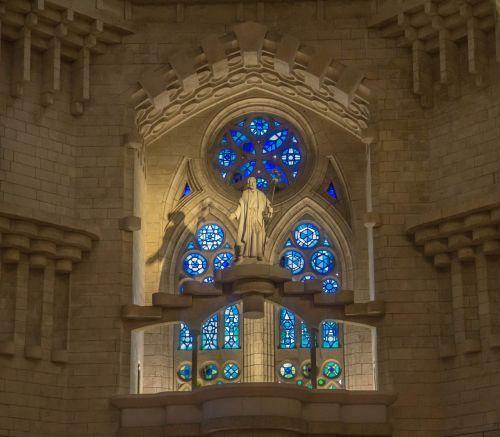 sagrada familia,katedra,vitražas,statula,barcelona,architektūra,bažnyčia,žinomas,gotika,religija,katalonija,katalikybė,turizmas,kelionė,orientyras,katalikų
