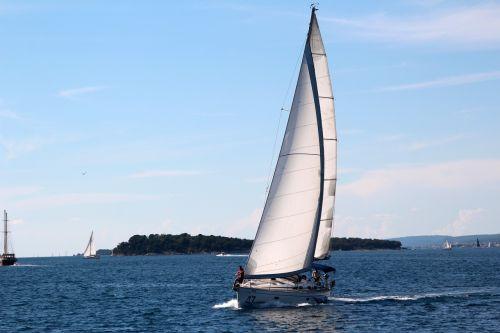 buriuotojas,burinė valtis,laivo stiebas,laivas,boot,buriu,stiebai,jūra,mėlynas,ežeras,stiebas