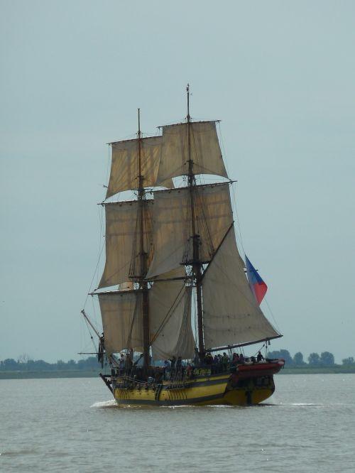 buriu,laivas,Bremerhaven,drobė