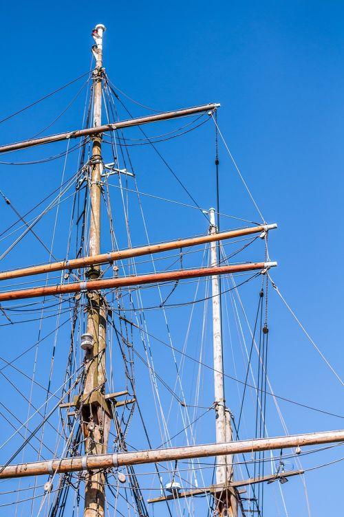 buriuotojas,stiebas,burinė valtis,boot,stiebai,uostas,laivo stiebas,laivas,laivo stiebai,burių stiebai,valtys,debesys,dangus,burlaiviai,Baltijos jūra,jūra,kranto,flensburgas,fjordas,förde flensburg