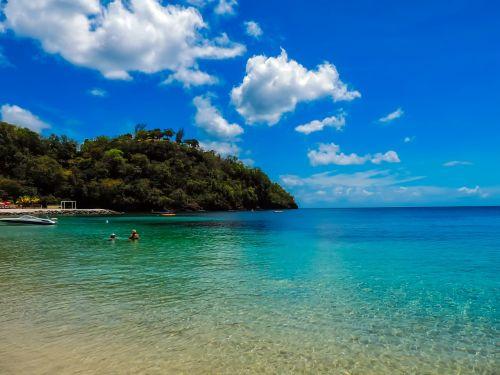 saint vincent,jūra,vandenynas,vanduo,apmąstymai,dangus,debesys,turizmas,vasara,kalnas,miškas,medžiai,miškai,atostogos,šventė,tropikai,atogrąžų,pajūris,hdr